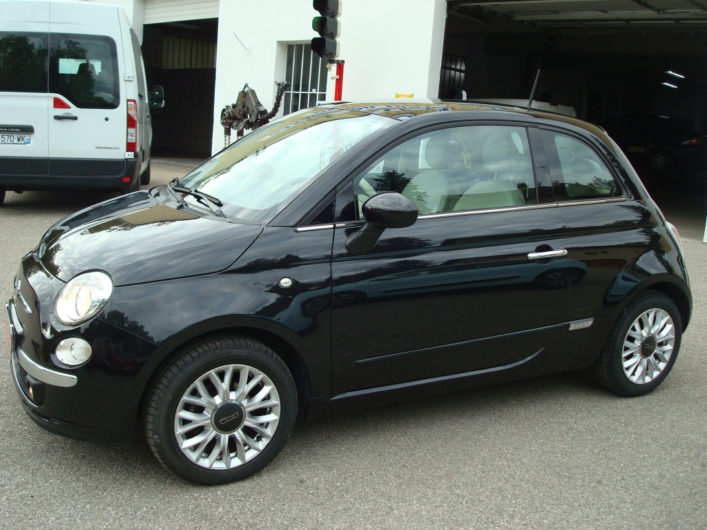 voiture fiat 500 lounge clim occasion diesel 2015 18000 km 9890 saint lattier. Black Bedroom Furniture Sets. Home Design Ideas
