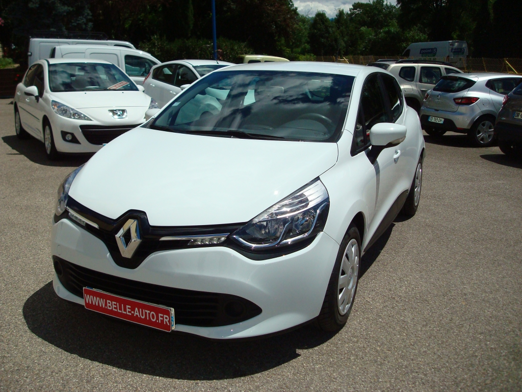 voiture renault clio iv dci 90 cv expression gps occasion diesel 2012 81000 km 8790. Black Bedroom Furniture Sets. Home Design Ideas
